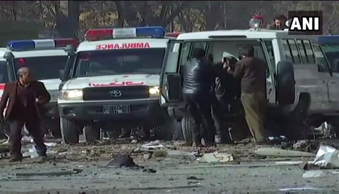 काबुल एम्बुलेंस विस्फोट में गई 100 जान, सोशल मीडिया पर फूटा लोगों का गुस्सा
