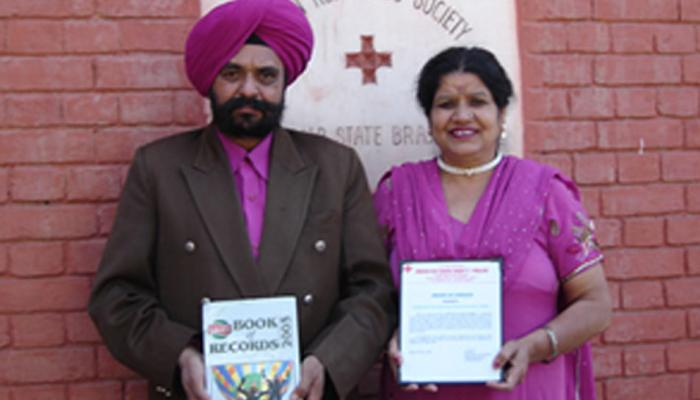 पंजाब: इस परिवार ने खून देने में बना डाले बड़े-बड़े रिकॉर्ड, लिम्का बुक में दर्ज हुआ नाम
