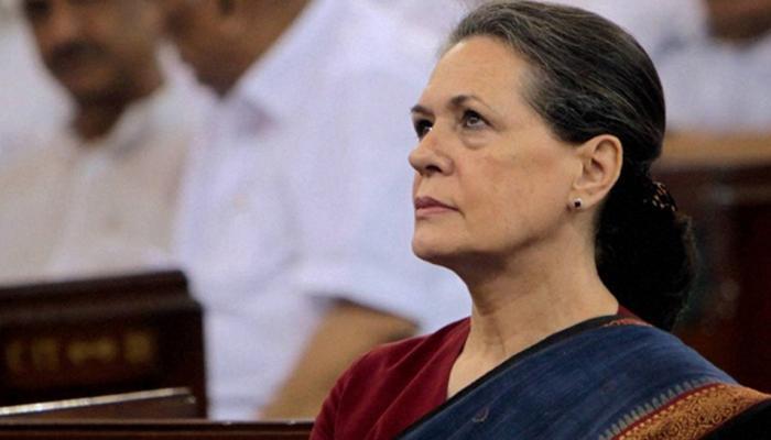 सोनिया गांधी क्यों बनी हुई हैं यूपीए की अध्यक्ष, वीरप्पा मोइली ने बताई वजह