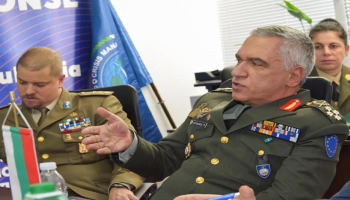 EU सैन्य प्रमुख ने पाकिस्तानी रक्षामंत्री से की मुलाकात, अब अफगानिस्तान से बढ़ाना चाहता है दोस्ती