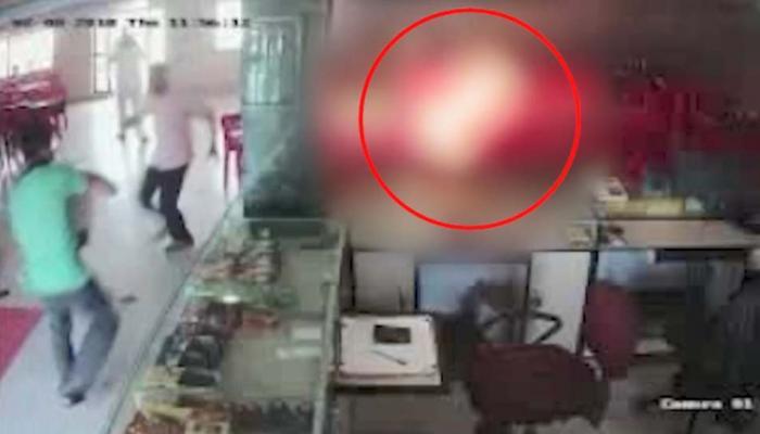 VIDEO: सिरफिरे ने युवती को मारने के लिए की जानलेवा कोशिश, खुद को आग लगा उसे लगाया गले