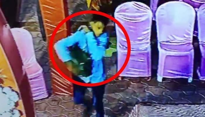 VIDEO: बारात आने से ठीक पहले पलक झपकते ही दुल्हन के जेवरों से भरा बैग ले उड़ा शातिर चोर