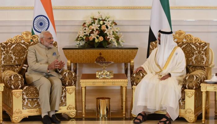 प्रधानमंत्री नरेंद्र मोदी UAE पहुंचे, तिरंगे के रंग में जगमगाया बुर्ज खलीफा