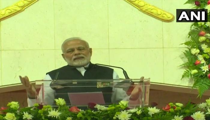 ओमान में बोले पीएम मोदी, 'दुनिया भारत की तरक्की का सम्मान कर रही है'
