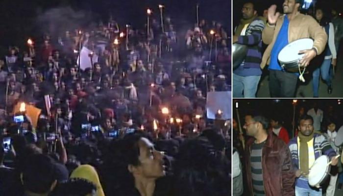 JNU कैंपस में फूटा छात्रों का गुस्सा, VC से है नाराजगी