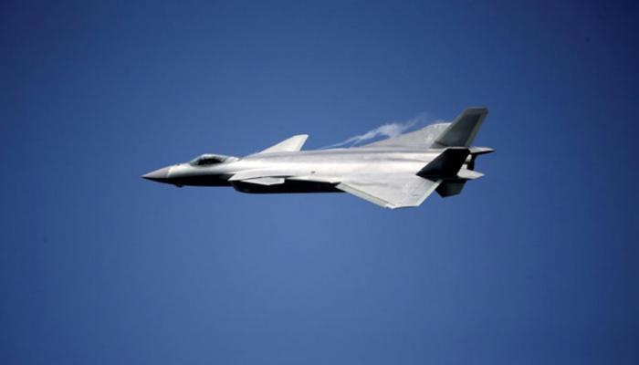 चीन ने अपने जंगी बेड़े में इस लड़ाकू विमान को शामिल कर US की बराबरी की