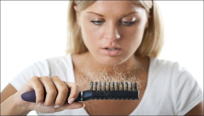 बालों की देखभाल के लिए आजमाएं ये कुदरती टिप्स