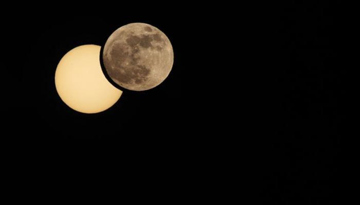 आखिर क्यों लगता है सूर्य ग्रहण, जानिए क्या कहती है पौराणिक कथा
