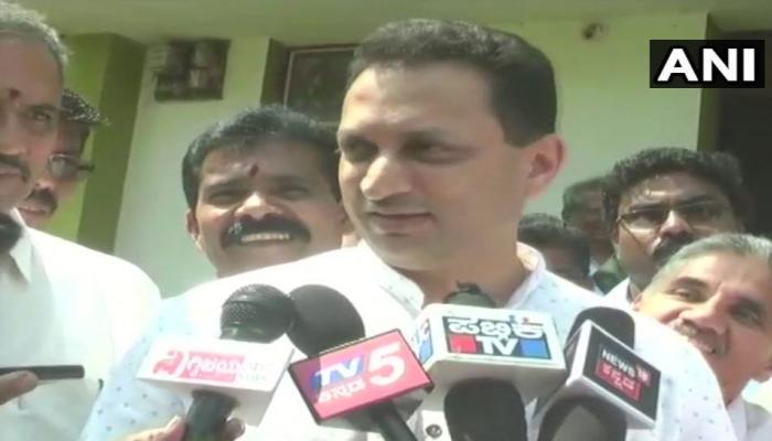 कर्नाटक चुनाव: केंद्रीय मंत्री अनंत हेगड़े ने राहुल गांधी को बताया 'खोटा हिंदुत्ववादी'