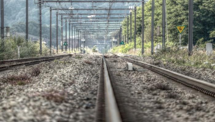 ट्रेन को जाना था बिहार, चल पड़ी अलीगढ़ की तरफ, जानें फिर हुआ क्या?