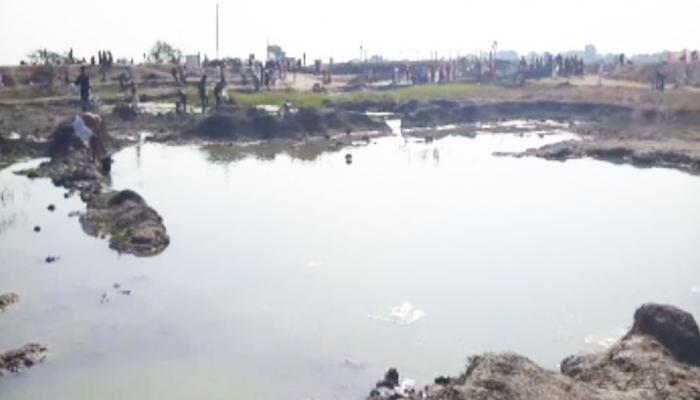 आस्था या अंधविश्वास: इस तालाब के पानी से दूर हो रही हैं गंभीर बीमारियां!
