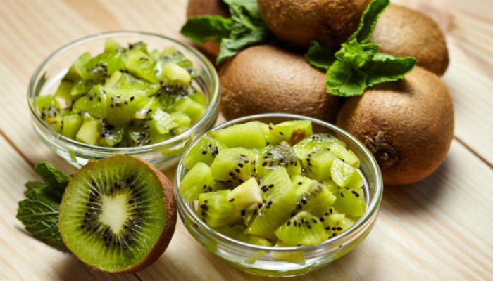 Kiwi Face Pack Increase Skin Glow and Remove Pimples