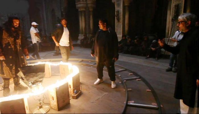 'पद्मावत': 'खलीबली' में इस तरह अग्रेसिव दिखे थे रणवीर सिंह, मेकिंग वीडियो आया सामने