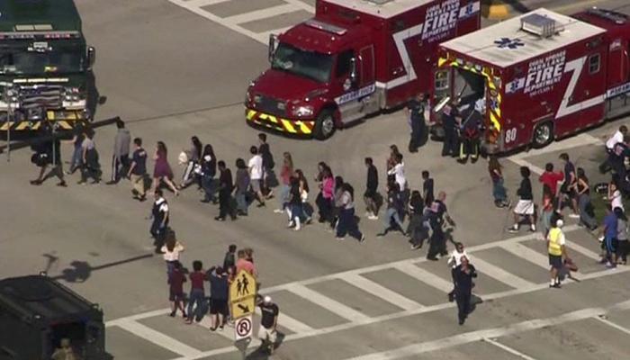 फ्लोरिडा स्कूल गोलीबारी: दंपति ने कहा- हमारे यहां रह रहा था राक्षस