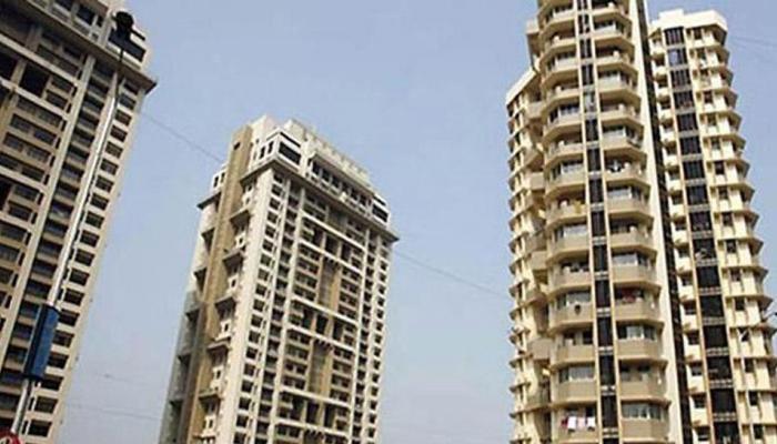 गाजियाबाद: मां के इंतजार में बालकनी से झांक रही थी बच्ची, 10वीं मंजिल से गिरकर मौत