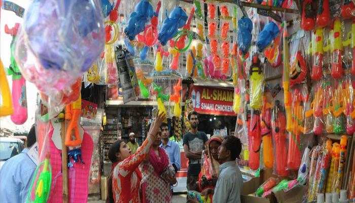 Market is ready for the holi shopping cartoon water gun is trending