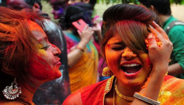 holi celebration in mathura nandgaon photos