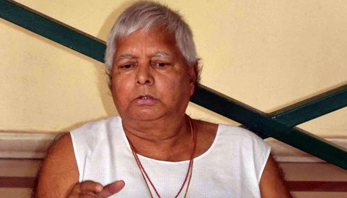 लालू का ट्वीट, वाजपेयी की कार में लटककर नीतीश ने रुकवाया था बिहार का विशेष राज्य का दर्जा