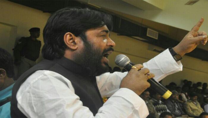 बिहार: अपनी ही सरकार के मंत्री पर भड़के BJP नेता, कहा- शिक्षा मंत्री को कुछ नहीं आता