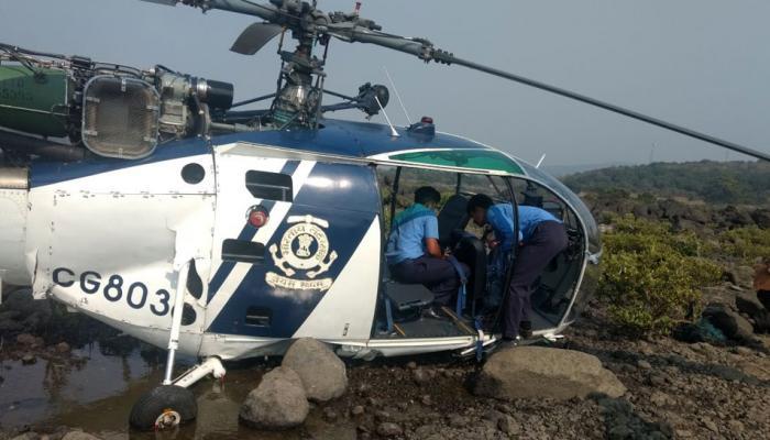 महाराष्ट्र : भारतीय तटरक्षक के हेलीकॉप्टर की आपात लैंडिंग, महिला घायल