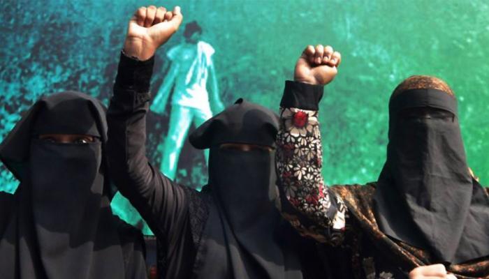 Top news of hindi and english newspaper Muslim women against halala after tripple talaq
