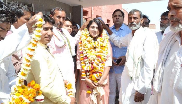 राजस्थान की इस मुस्लिम लड़की ने किया कमाल, गांव की पहली महिला MBBS अब बनी सरपंच