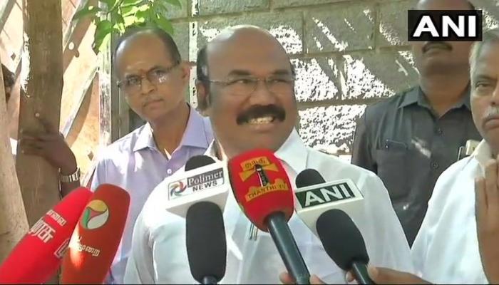 तमिलनाडु के मंत्री ने शशिकला के भतीजे दिनाकरन को बताया 'मच्छर'