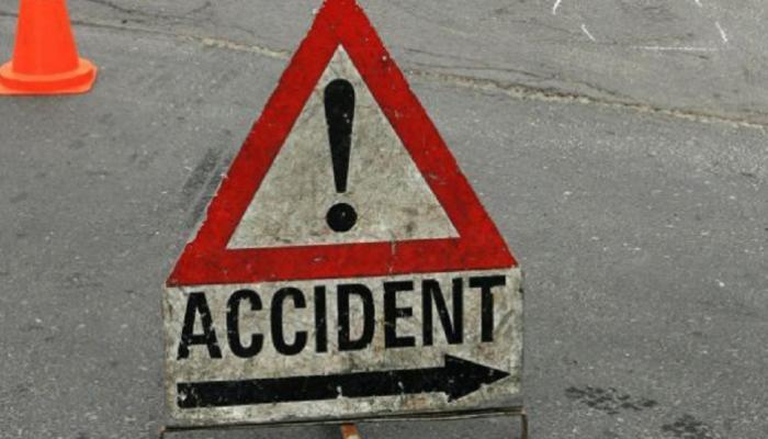 नोएडा : सड़क हादसे में एक ही परिवार के 3 बच्चों समेत 5 लोगों की मौत
