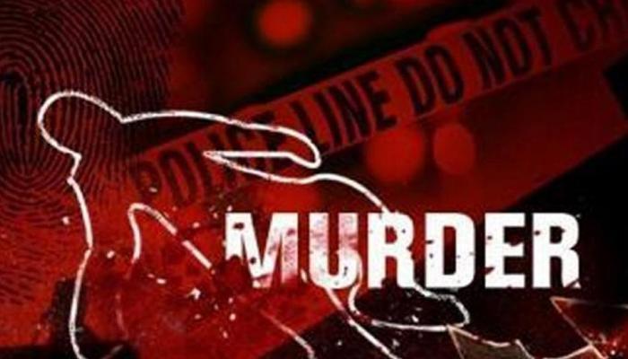 मध्य प्रदेश : पत्थर से कुचलकर युवक की हत्या, घर से कुछ ही दूरी पर मिला शव