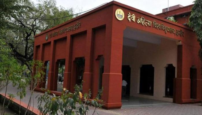 NRI ONLY: Junior student was ragged and slapped 82 times by seniors in holkar science college Indore