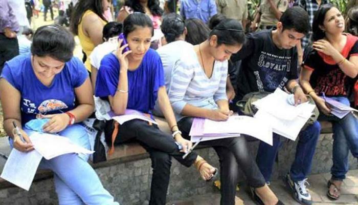 यूपी में भी सामने आया 'व्यापमं' जैसा मामला, 600 अयोग्य छात्र MBBS परीक्षा पास कर बन गए डॉक्टर