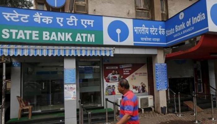 SBI की ग्राहकों को चेतावनी, अपने बैंक अकाउंट में कभी न करें ये काम