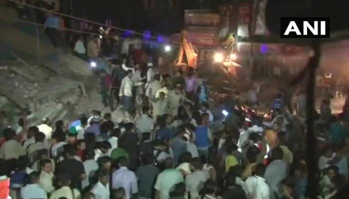 इंदौर : होटल की बहुमंजिला इमारत गिरी, 7 की मौत, मलबे में कई लोगों के दबे होने की आशंका