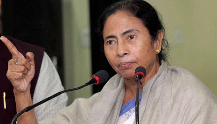 डीजल-पेट्रोल की कीमतें आसमान छू रही हैं, सरकार सिर्फ बातें कर रही है : ममता बनर्जी
