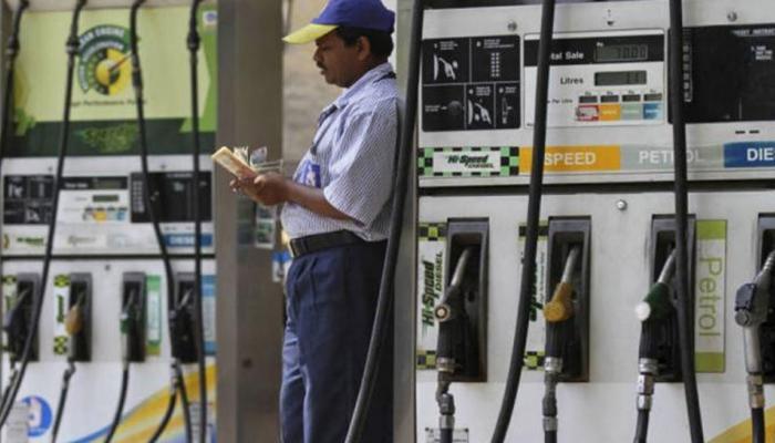 पेट्रोलियम मंत्री का बड़ा बयान, बताया इस तरह सस्ता होगा पेट्रोल-डीजल