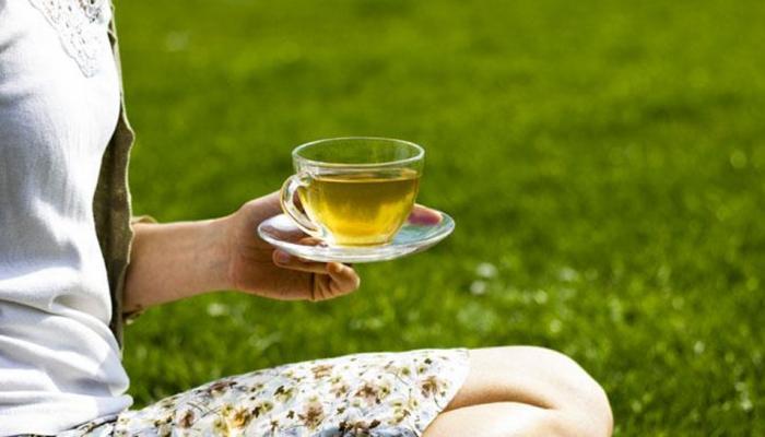 रोजाना एक कप ग्रीन टी पीने के ये फायदे हैरान कर देंगे
