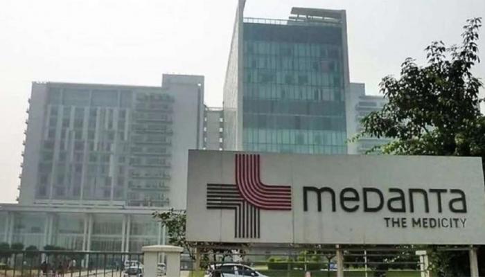 मेदांता फार्मेसी का लाइसेंस सस्पेंड, डेंगू के इलाज के लिए थमाया था 15 लाख 88 हज़ार का बिल