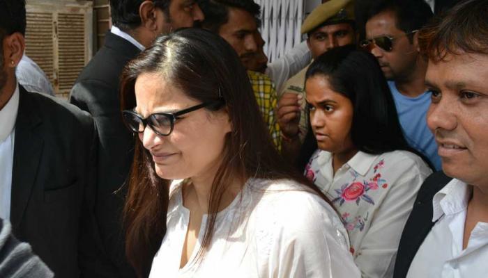 सलमान खान की बहनों के लिए मीडिया से भिड़ा बॉडीगार्ड, पुलिस ने उठाया सख्त कदम