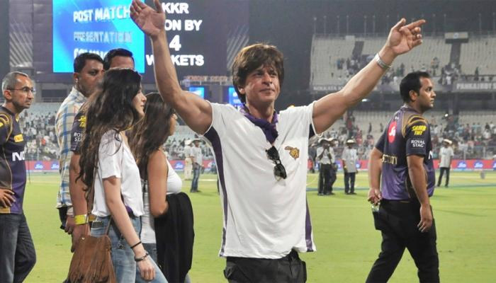 Shahrukh khan celebrate his team win along with daughter Suhana