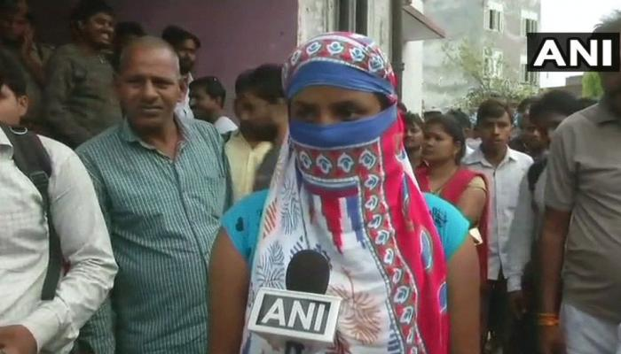उन्नाव गैंगरेप: BJP विधायक कुलदीप सिंह सेंगर का भाई गिरफ्तार, पीड़िता बोली-फांसी पर लटका दो