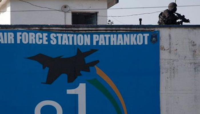 पठानकोट एयरबेस पर आतंकी हमले की साजिश! सेना की वर्दी में हथियारों के साथ दिखे 3 संदिग्ध
