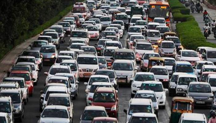 डीजल कारें होंगी महंगी, सरकार दो फीसदी तक बढ़ा सकती है टैक्स