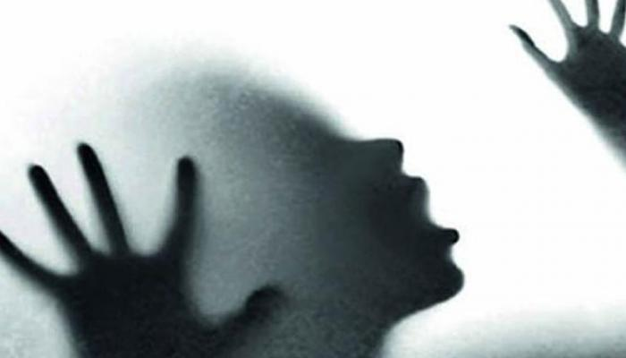 INDIA TODAY: class 11 student Gang raped in a moving car in grater noida