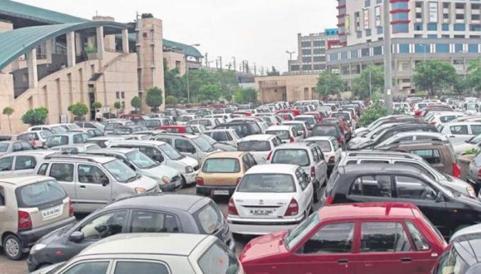 DMRC ने दिल्लीवालों को दिया बड़ा झटका, पार्किंग शुल्क बढ़ाया