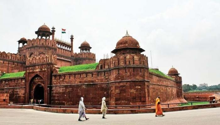 Top news of hindi and english newspaper Dalmia Bharat group adopts Red Fort of Delhi in just 25 crore