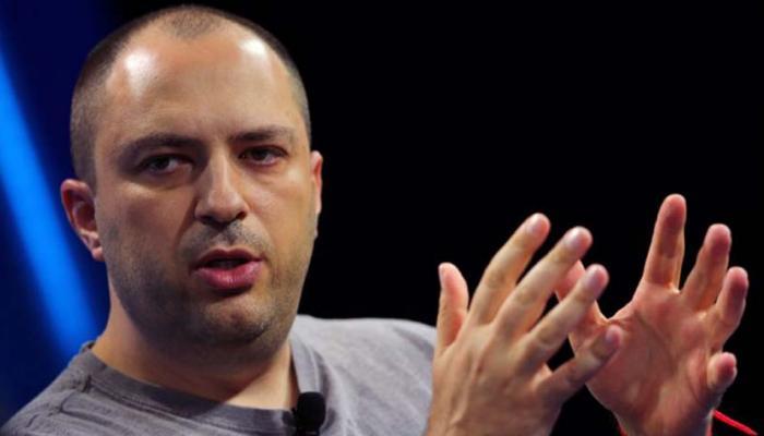 डाटा लीक मामले में Facebook और Whatsapp में टकराव बढ़ा, को-फाउंडर ने दिया इस्तीफा