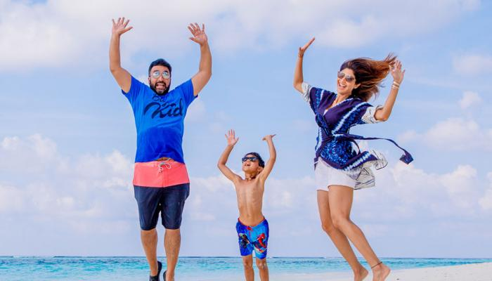 shilpa shetty enjoying holidays in maldives with family, see pics