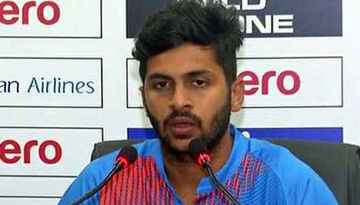 टीम इंडिया के इस युवा क्रिकेटर के मम्मी-पापा घायल, बाइक फिसलने से हुआ हादसा