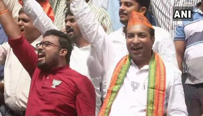 Karnataka Election Results 2018 : BJP workers celebrate as trends show the party leading