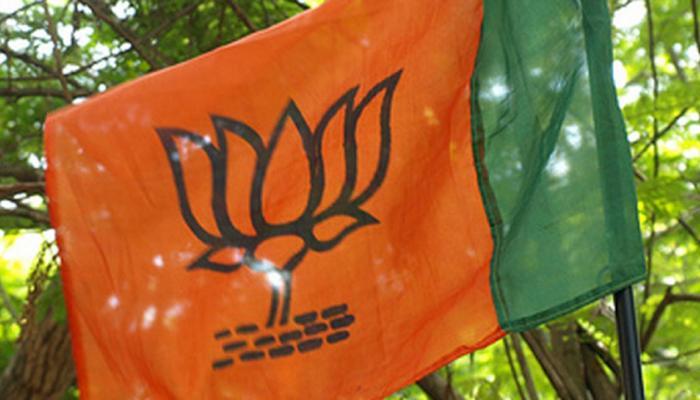 कर्नाटक में बढ़ा सियासी ड्रामा, BJP और जेडीएस-कांग्रेस दोनों ने ही सरकार बनाने का किया दावा